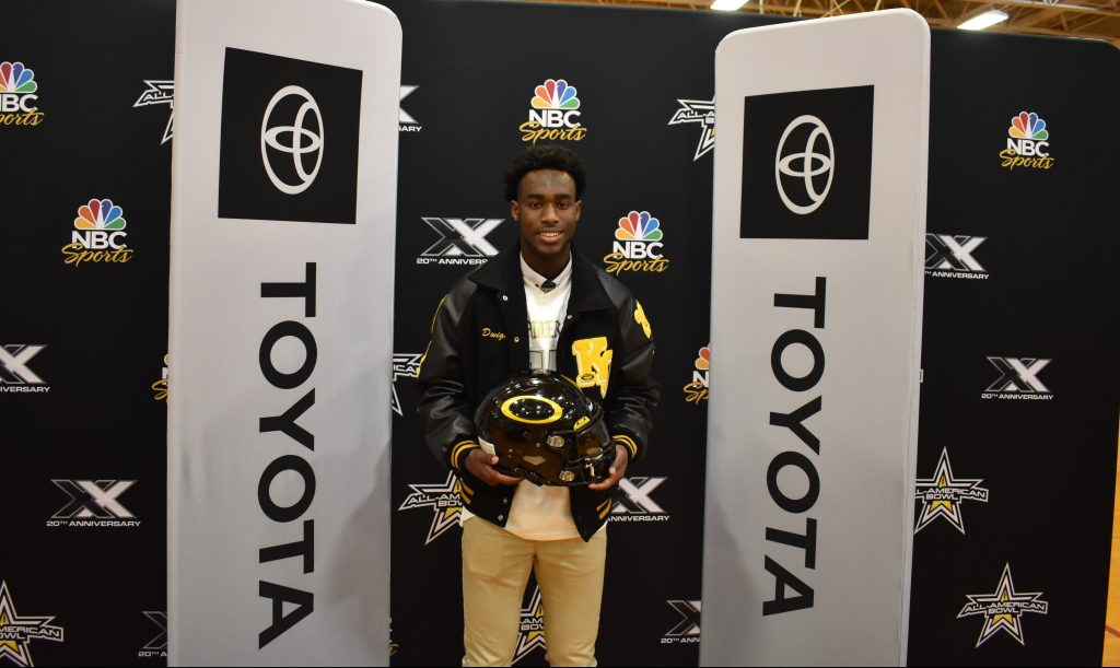 Dwight McGlothern (Spring, Texas/Klein Oak High School), was officially selected today as a 2020 All-American during a celebratory selection event at his school.
