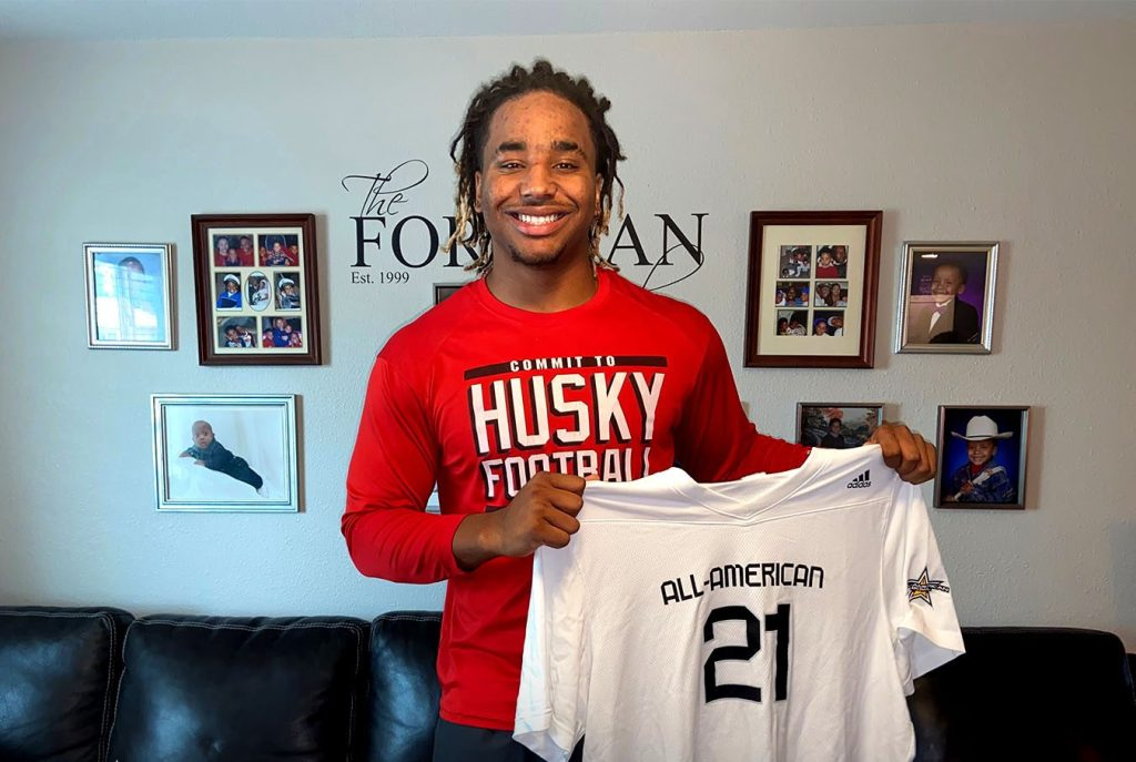 Defensive Lineman Korey Foreman (Corona, California/Centennial High School), the No. 1 overall prospect in nation, was officially honored today as a 2021 All-American