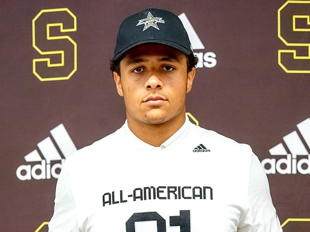 Defensive Lineman Quintin Somerville (Scottsdale, Arizona/Saguaro High School), the University of Michigan commit, was officially honored today as a 2021 All-American.