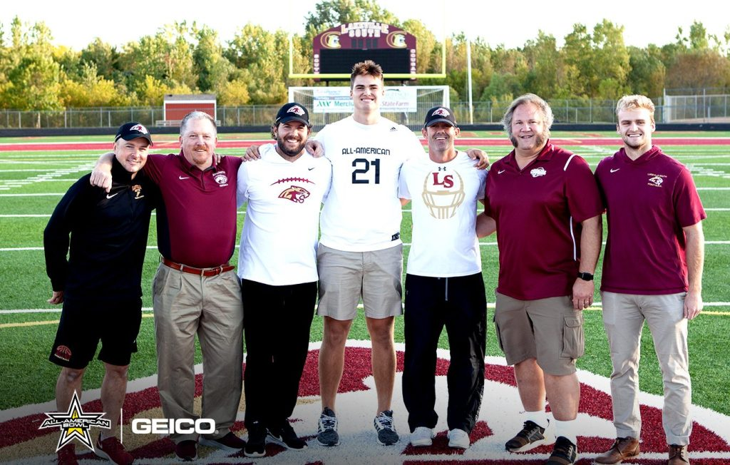 Offensive Lineman Riley Mahlman (Lakeville, Minnesota/Lakeville South High School), the University of Wisconsin commit, was officially honored today as a 2021 All-American.