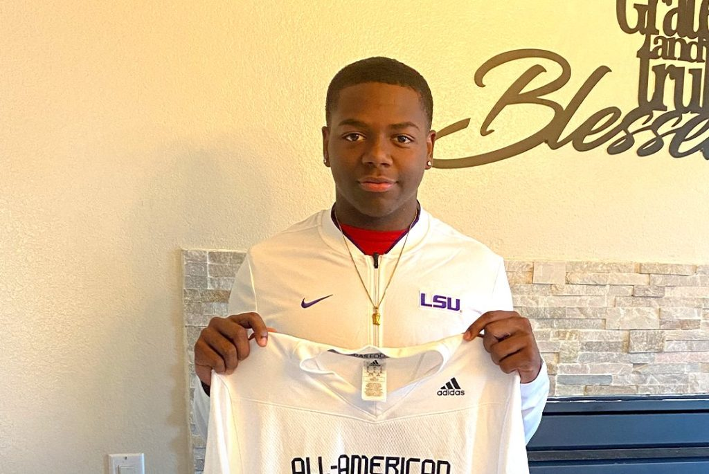 Linebacker Raesjon Davis (Santa Ana, California/ Mater Dei H.S.), the Louisiana State University commit, was officially honored today as a 2021 All-American
