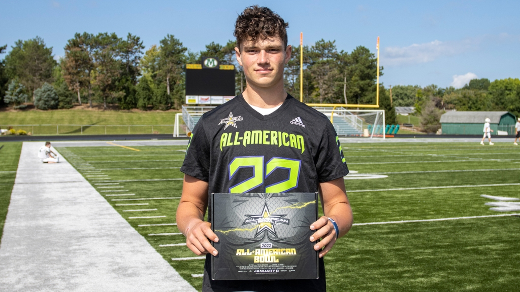Quarterback Drew Allar (Medina, Ohio/ Medina H.S.), the Penn State University commit, was officially honored as a 2022 All-American.