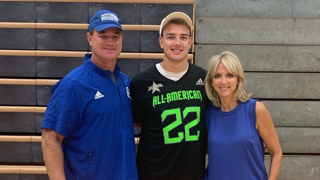 Tight end Jake Johnson (Bogart, Georgia/ Oconee County H.S.), the Louisiana State University commit, was officially honored as a 2022 All-American.