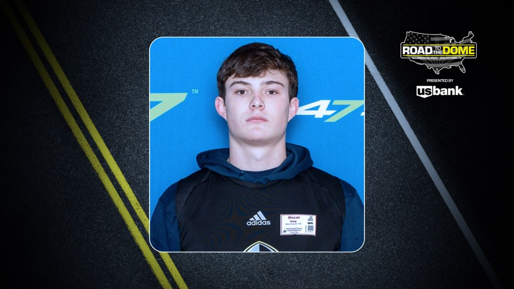 Tight end Oscar Delp (Cumming, Georgia/West Forsyth H.S.), the four-star prospect, will be officially honored tomorrow as a 2022 All-American.
