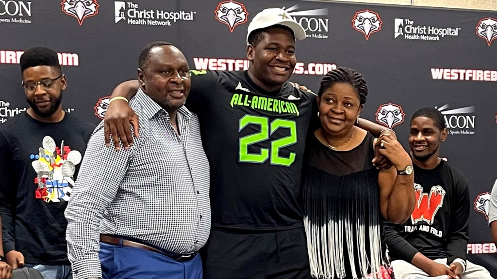 Offensive lineman Tegra Tshabola the Ohio State University commit, was officially honored today as a 2022 All-American during a virtual jersey presentation.
