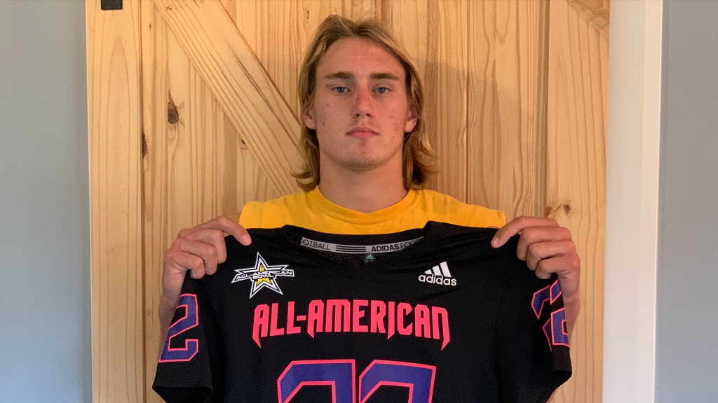 Linebacker Joshua Burnham (Traverse City, Michigan/ Traverse City Central H.S.), the University of Notre Dame commit, was officially honored as a 2022 All-American.